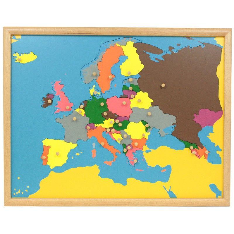 Puzle de madera con marco con diseño de Europa, para que los niños aprendan sus diferentes países. Cada pieza se puede manipular para extraer del puzle y volver a colocar gracias a unbotón de agarreque incluye. Este material de lametodología Montessori,es perfecto para que, en una primera etapa los niños jueguen a realizar el puzle desarrollando así la motricidad fina y la coordinación de mano y ojo. Más adelante, se enseñan a los niños de una manerasensorial, tocando y manipulando las…