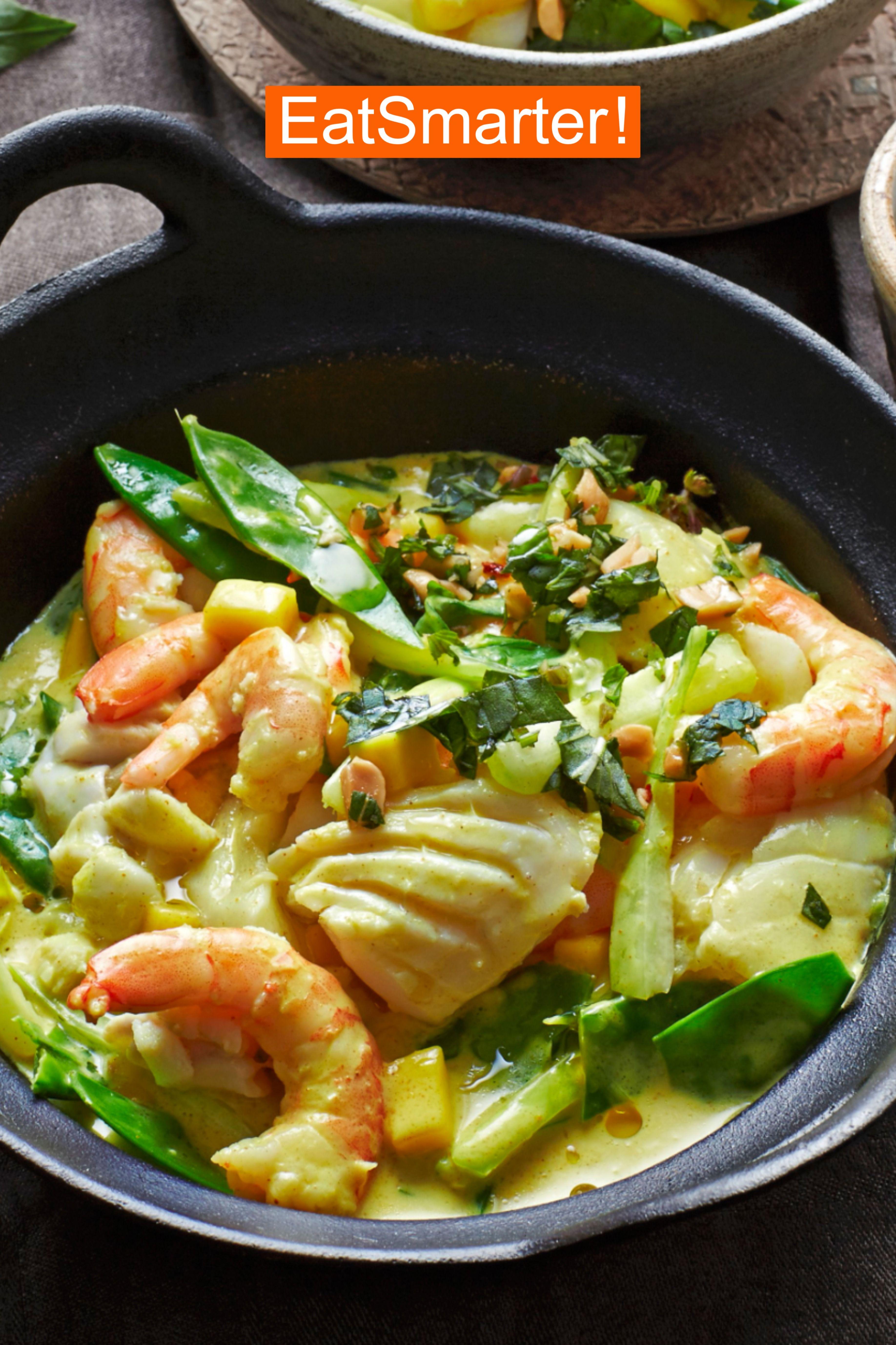 Low Carb Fisch Rezept: Kokos-Fisch-Topf mit Garnelen | EAT SMARTER