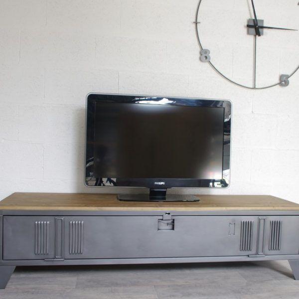 un meuble tv style industriel en metal | idee style deco maison ...