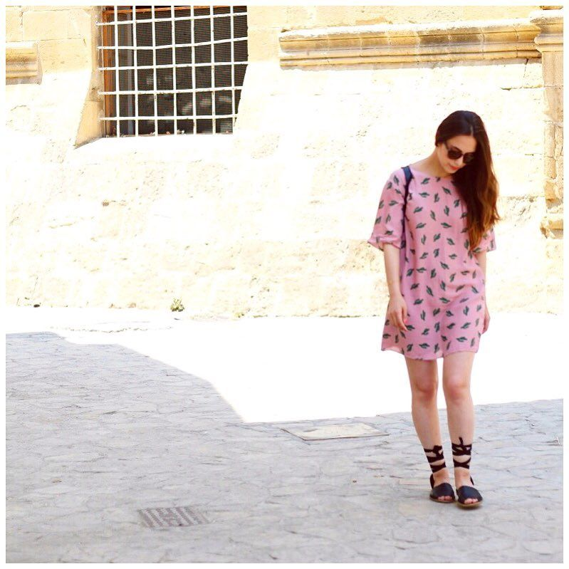 Anything fresher than a cute print dress in summer? Love this cacti print dress! #dress #cacti #print #outfit #summer #streetstyle