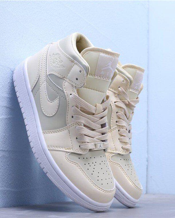 Jordan 1 Triple White Outfit