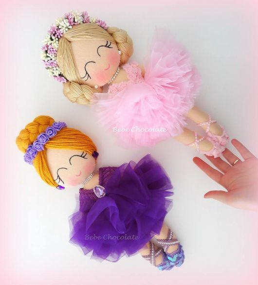 Keçe balerin bebek modelleri ister kapı süsü, duvar süsü ya da sepet süslemelerinde kullanılabilir, ister bebek hediyeliği olarak ya da keçeden oyuncak #bonecas