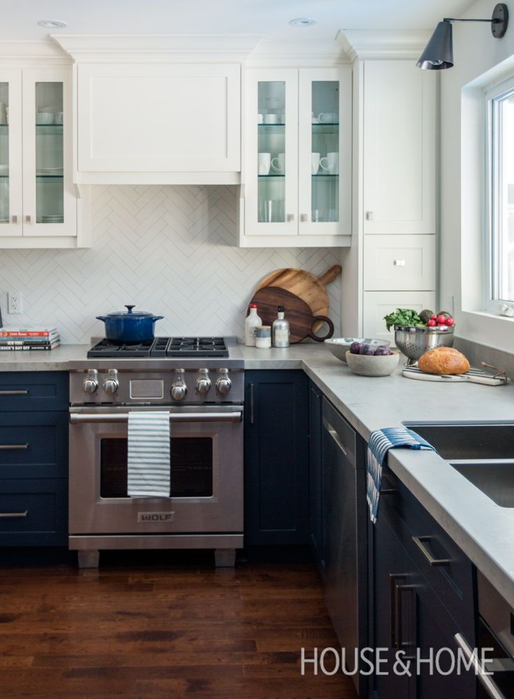 Best A Small Navy Blue Kitchen Makeover New Kitchen Cabinets 400 x 300