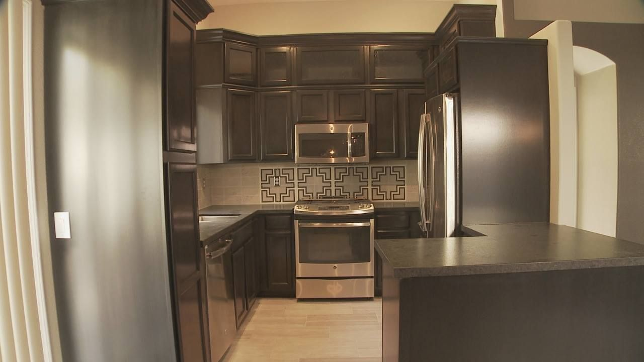 Love this kitche by amie yancey from flipping vegas for Kitchen design las vegas