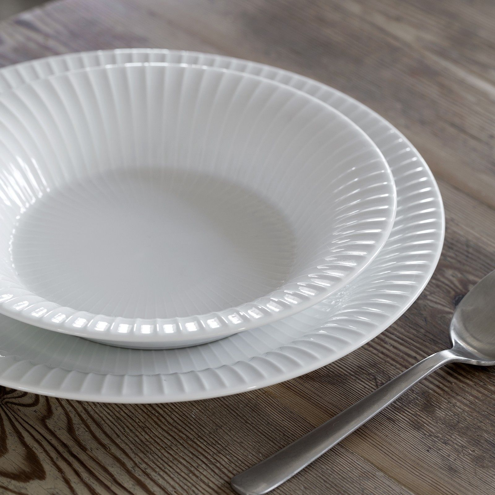 The stylish Hammershøi tableware has a classic look and can be used as everyday tableware year & The stylish Hammershøi tableware has a classic look and can be used ...