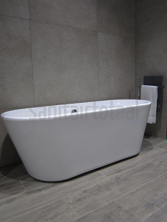 Vrijstaand bad badkamer, landelijk bad, houtlook tegels, badkamer ...