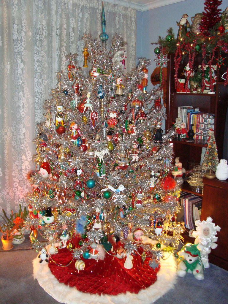 Vintage Aluminum Tree Vintage Christmas Tree Decorations Vintage Christmas Tree Retro Christmas Decorations