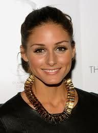 Olivia Palermo wearing my favourite Mawi London tube necklace- its beautifully made and in plain gold just seems to go with everything