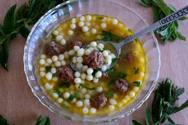 شوربة المغربية بكرات اللحم لمائدة مميزة Food Vegetables Beans