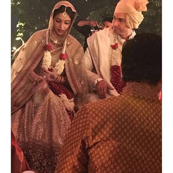 The Complete Wedding Album Of Actress Asin Thottumkal And Micromax Ceo Rahul Sharma In 2020 Hindu Wedding Ceremony Hindu Wedding Celebrity Weddings