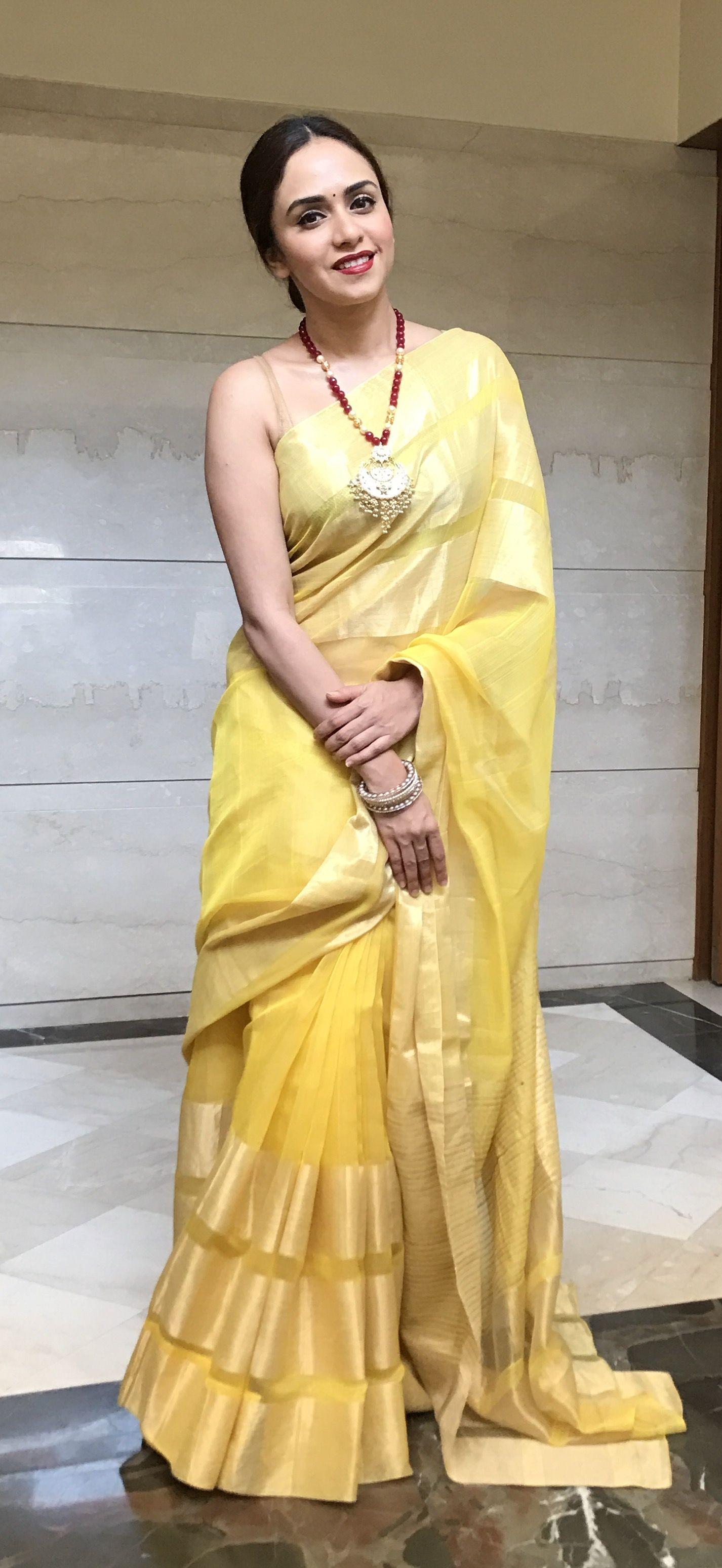 d2b24e944999 Beautiful yellow saree from moms collection | Amruta Khanvilkar ...