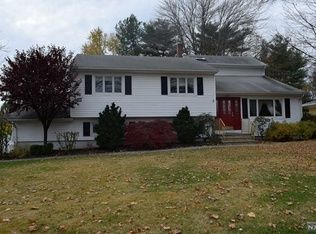 250 Totowa Rd Wayne Nj 07470 Is For Sale Zillow House Hunting