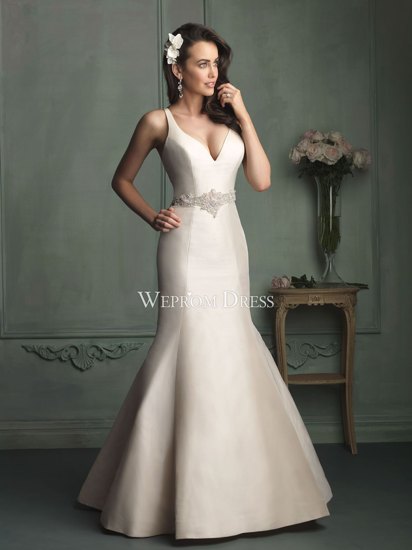 Elegant mermaid wedding dress with floral rhinestone wedding