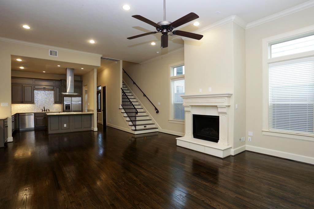 6634 Rodrigo St Houston Tx 77007 Open Floor Plan Flooring Floor Plans