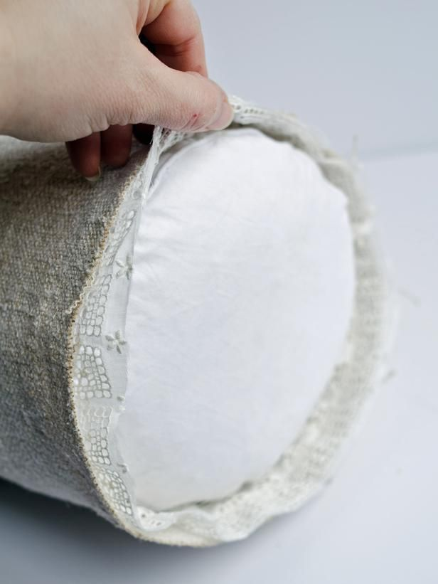 How to Sew a Bedroom Bolster Pillow | Costura, Caramelo y Lenceria