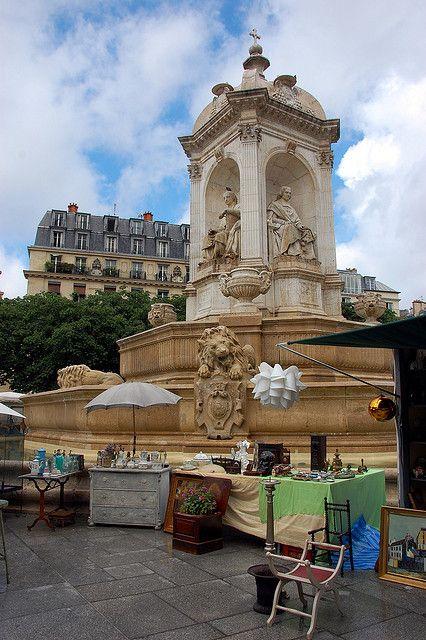 Foire aux Antiquaires by Saint asulpice Fountain, Paris