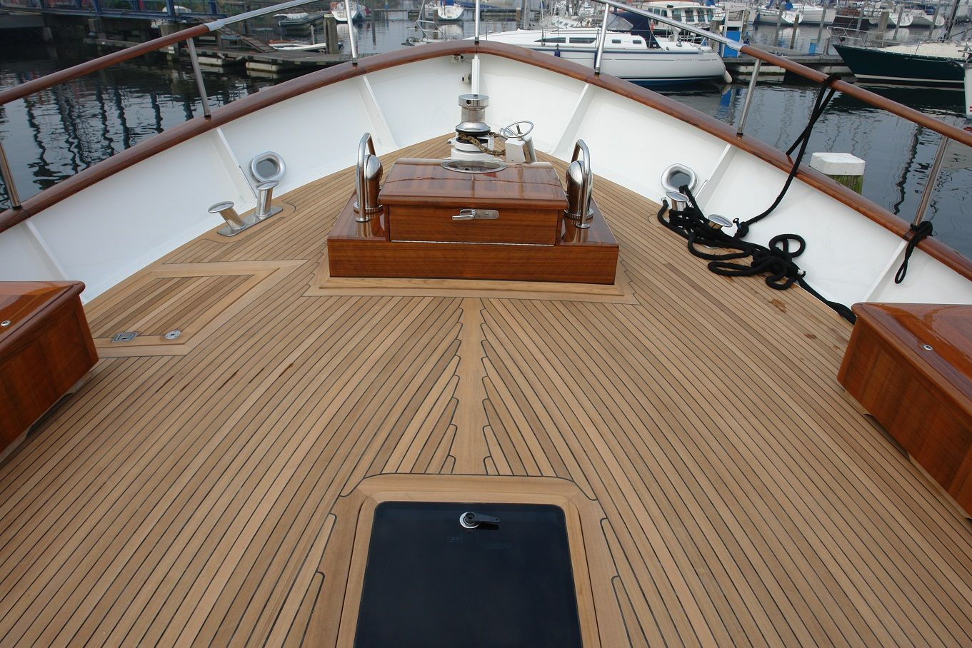 Find affordable boat deck flooring material marine wood for Deck flooring materials
