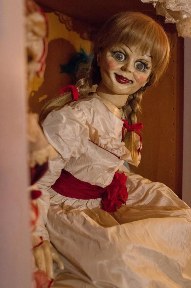 Annabelle 2014 Ph Greg Smith C Warner Bros Pictures With Images Annabelle Doll Scary Dolls