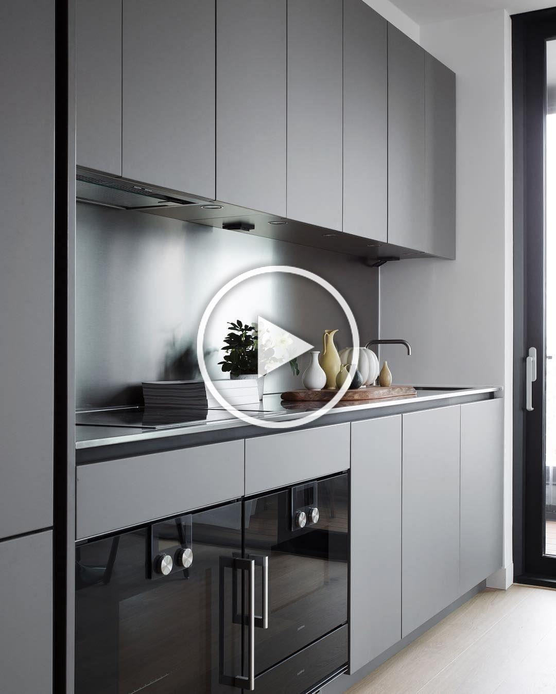 Modular Kitchen Is The Latest Kitchen Set Model That Is Mostly Used Currently The Modular Kitch Interior Design Kitchen Popular Kitchen Designs Kitchen Models
