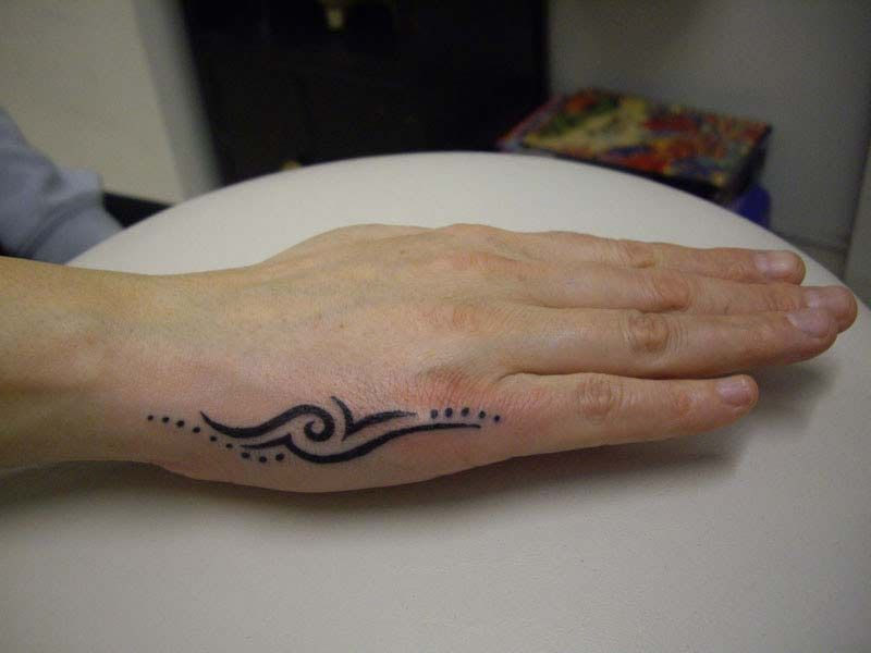 Tribal Design Tattoo On Side Hand For Womens Small Hand Tattoos Hand Tattoos For Guys Hand Tattoos For Women