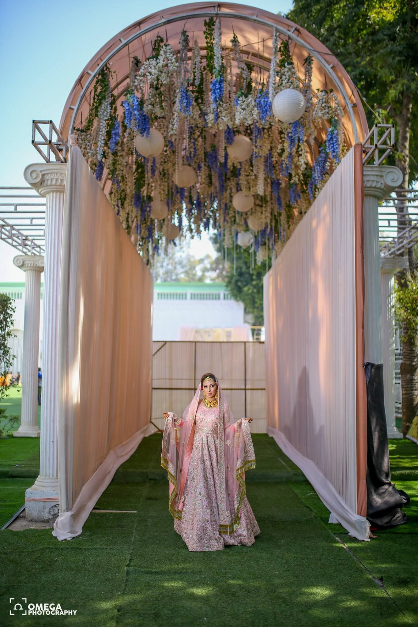 Beaytiful Pastel Bride In Beautiful Pastel Decor In Delhi Wedding