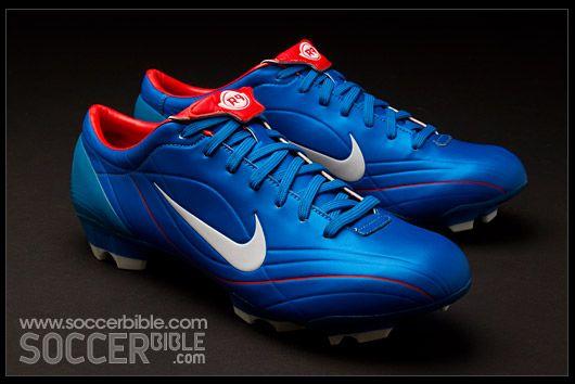 huge discount cc244 0ee92 ... Nike Mercurial Vapor R9 II 2004 ...
