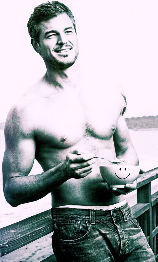 mmm doctor mark sloan from greys meow one of my many dream men bahaa ...