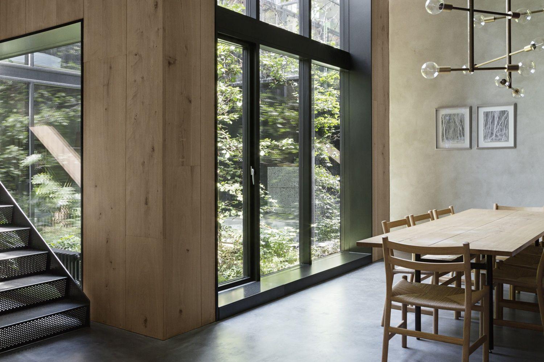 Wohnzimmer des modernen interieurs des hauses gallery of peterus house  studio david thulstrup    krasilnikoff