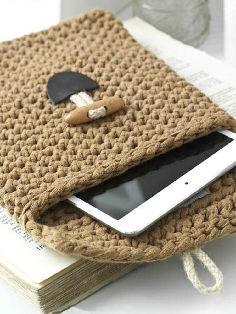 Crochet projects for bookworms: tablet cover in Hoooked ribbon xl solids on LoveCrochet: free pattern!