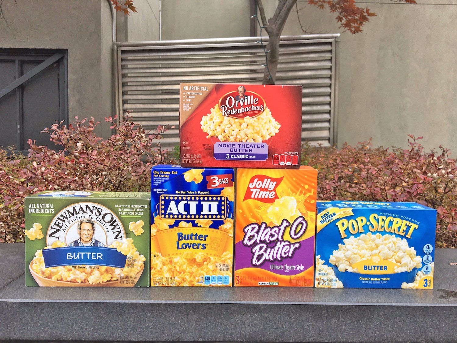 We Tried 5 Brands Of Microwave Popcorn And The Winner Was Clear Best Microwave Popcorn Popcorn Brands Microwave Popcorn Popper
