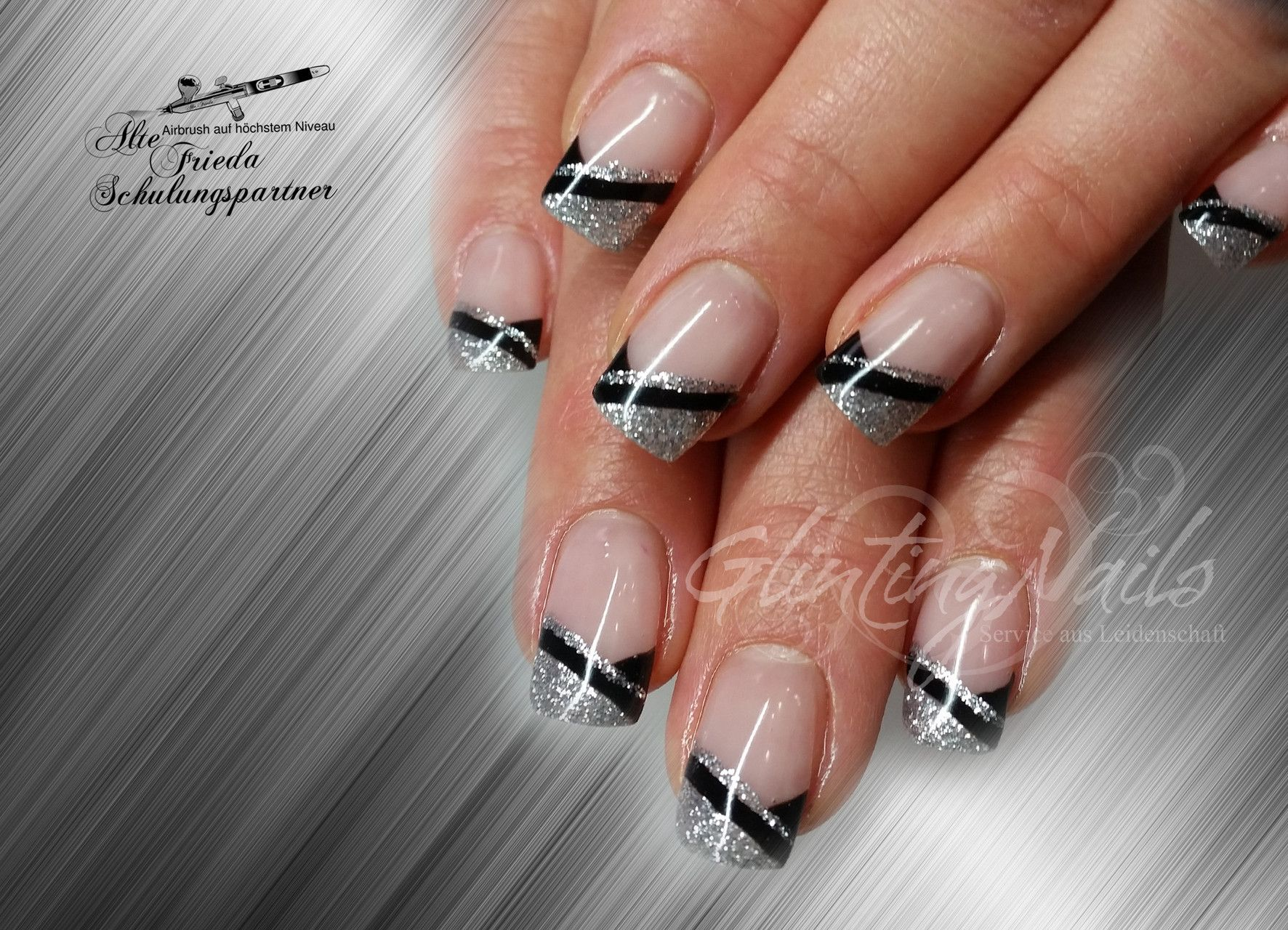 Colored french nail design - Http Www Glinting Nails De Bildergalerie French
