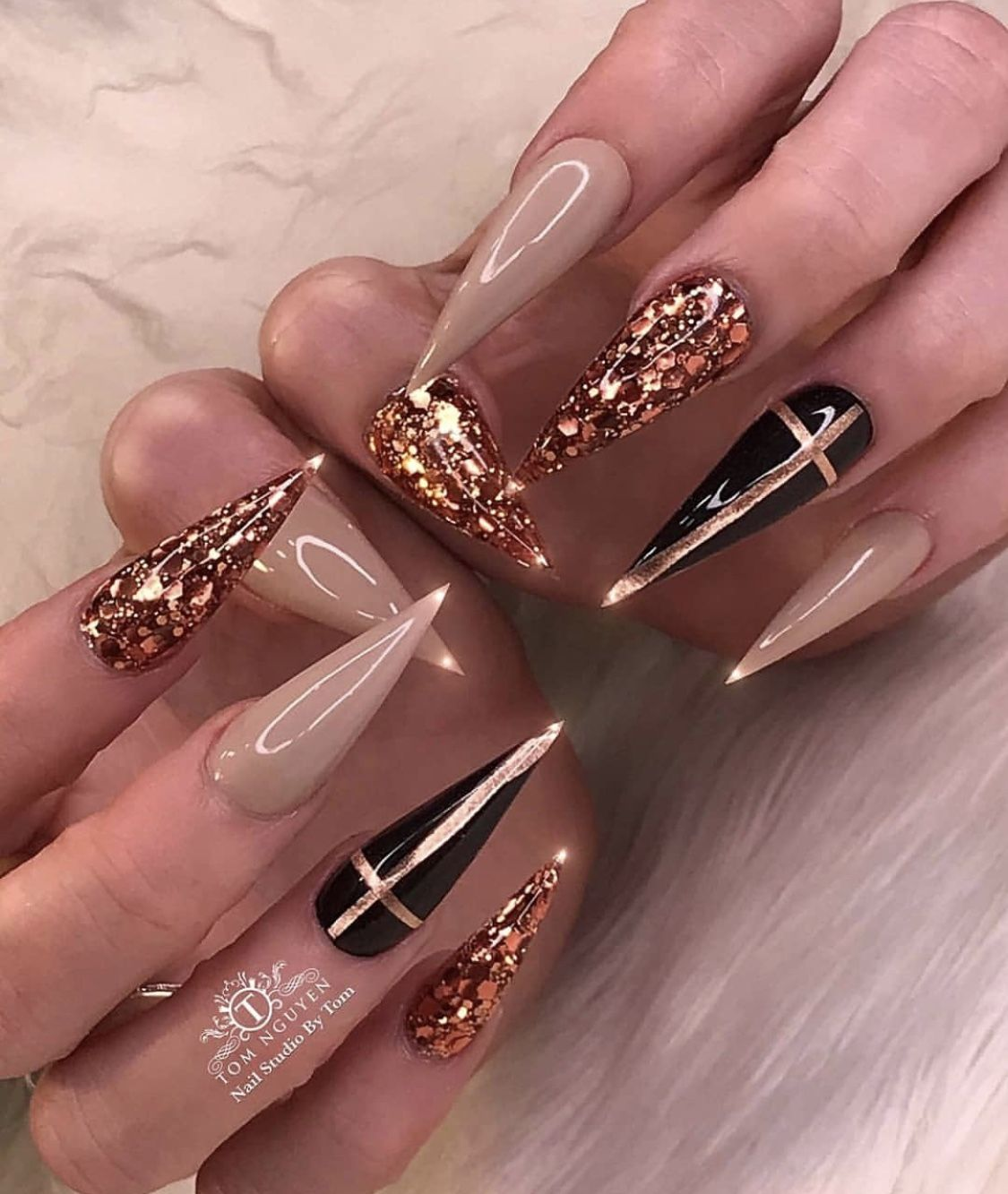 Pin By Kae Mitch On Brown Nails Stiletto Nails Designs Bling Nails Luxury Nails