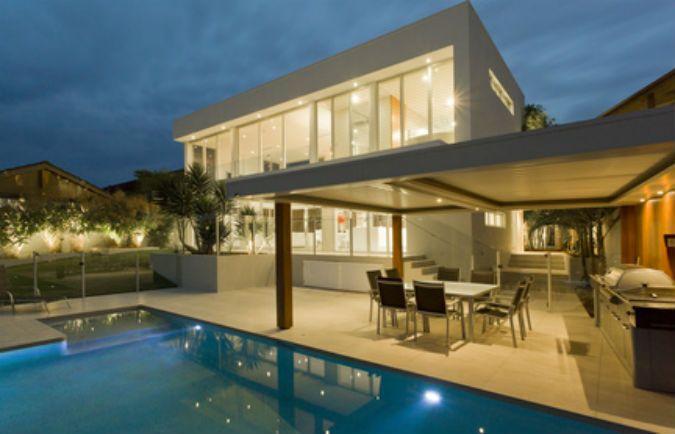 Beautiful Modernes Haus Mit Pool Und Garten Pictures - Ridgewayng ...