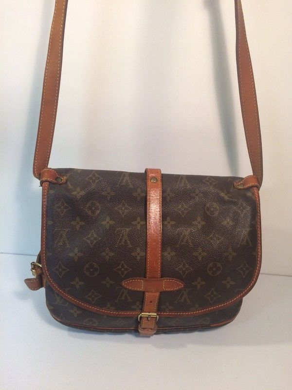 20dcda48506a My Louis Vuitton Saumur 30 Cross Body Messenger Saddle Shoulder Bag by  Louis Vuitton! Size