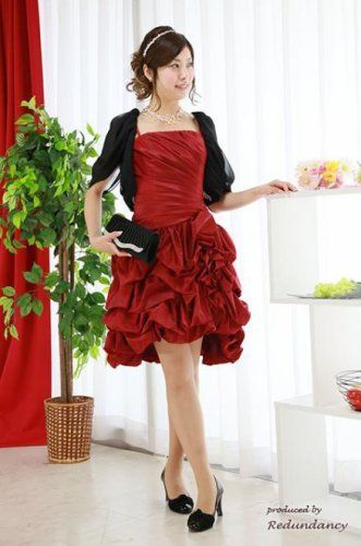 美しい真っ赤なドレスで上品に♡秋冬ファッションのお呼ばれドレス参考♪