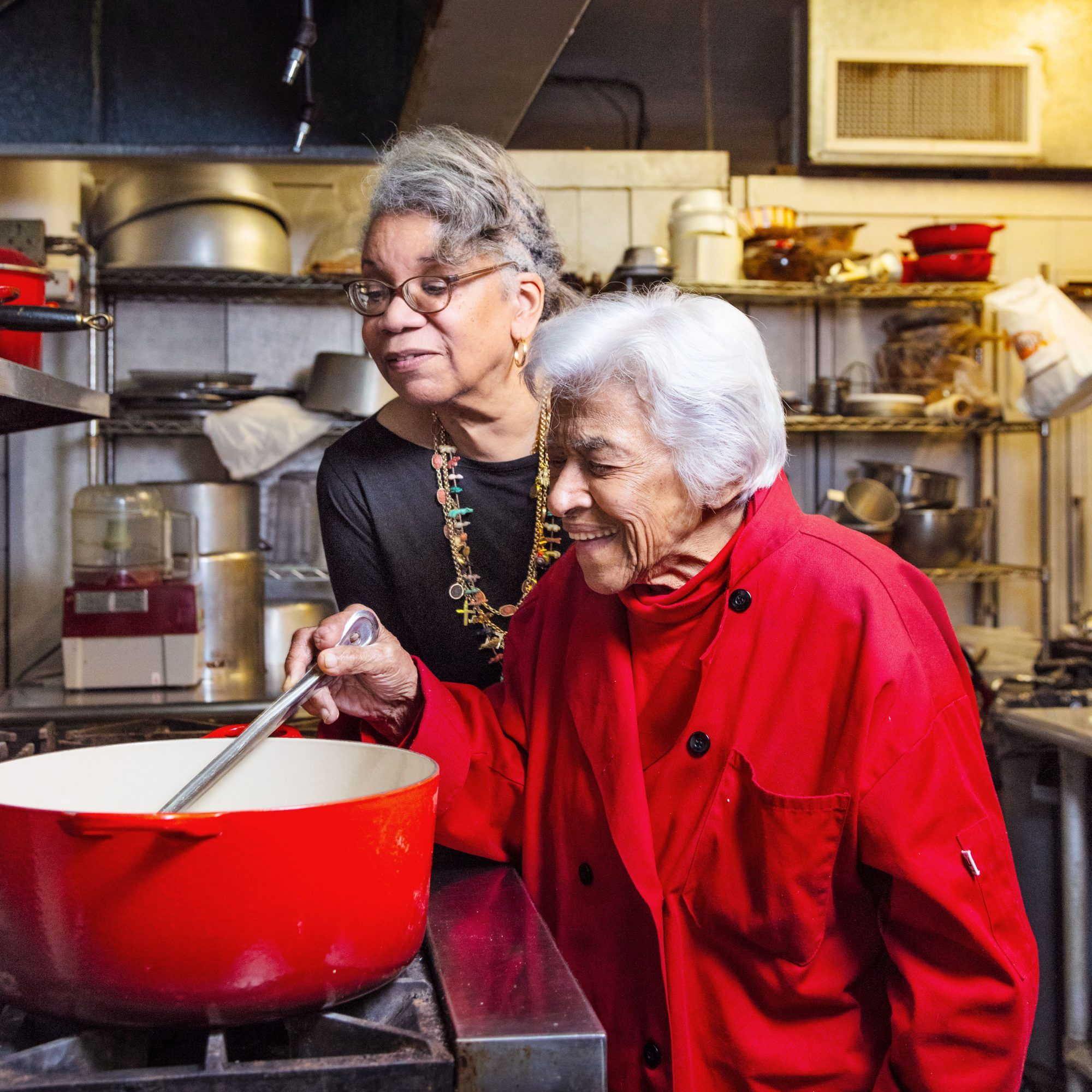 Remembering Leah Chase The Queen Of Creole Cuisine In 2020 Creole Cuisine Haitian Food Recipes Hawaiian Food