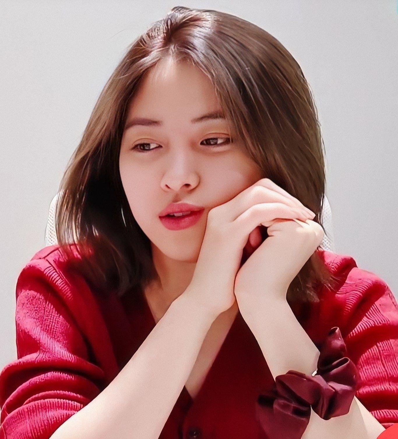 Pin oleh 秋生 di denden di 2020 Selebritas, Gadis korea