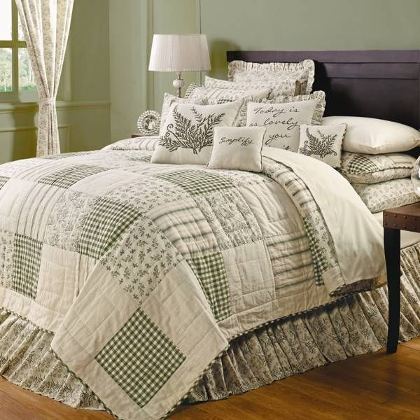 how to make a bed with a quilt and comforter