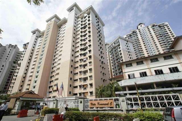 For Rent: KL, Bukit Jalil, Vista Komanwel condo, Blok C Location: Sri Petaling, Kuala Lumpur Type: Condo/Serviced Residence Price: RM2500 Size: 1220 sqft   0126715299