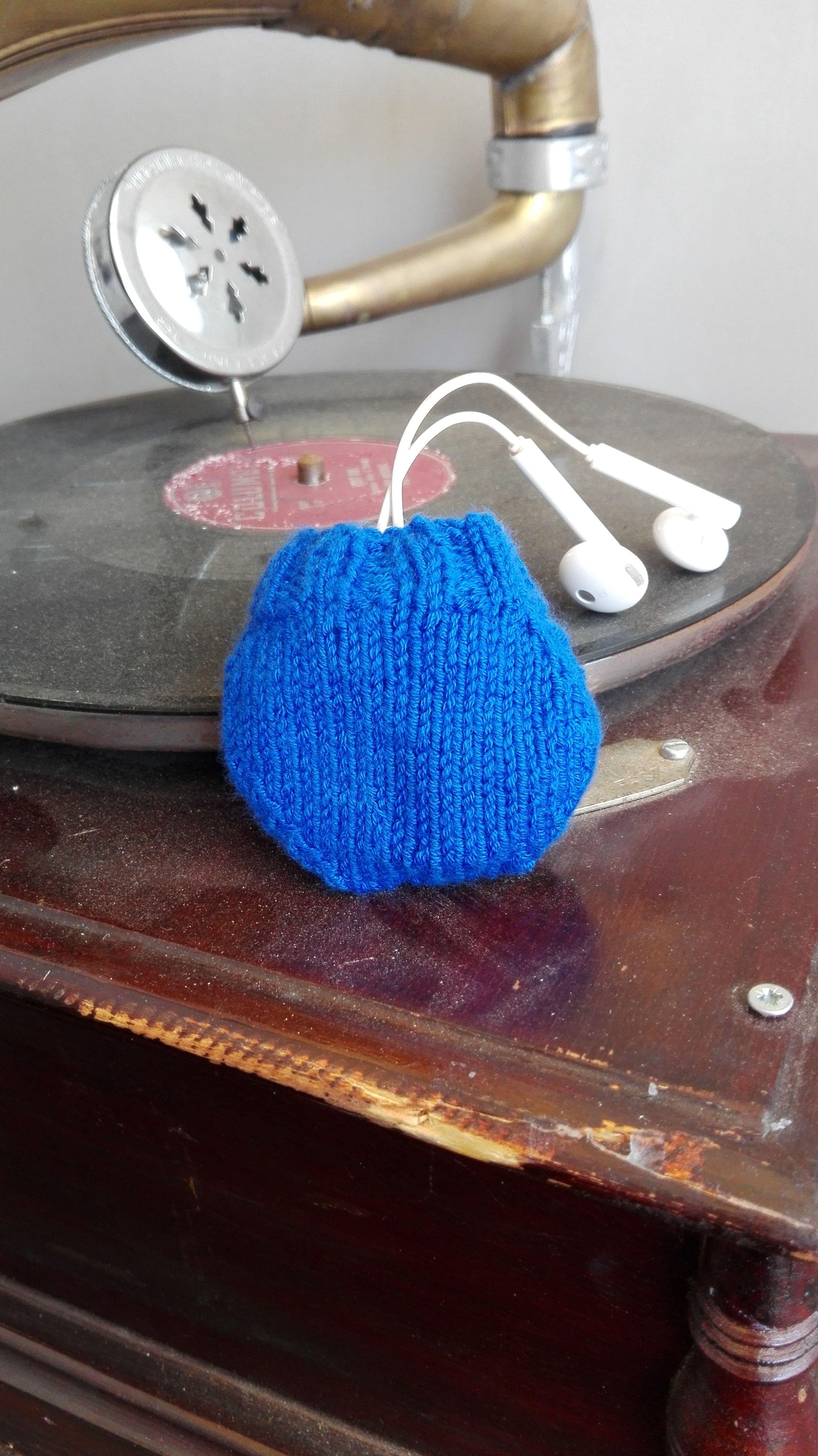 Knit headphones handmade. Maglia  fatto a mano sacchetto per Cuffie