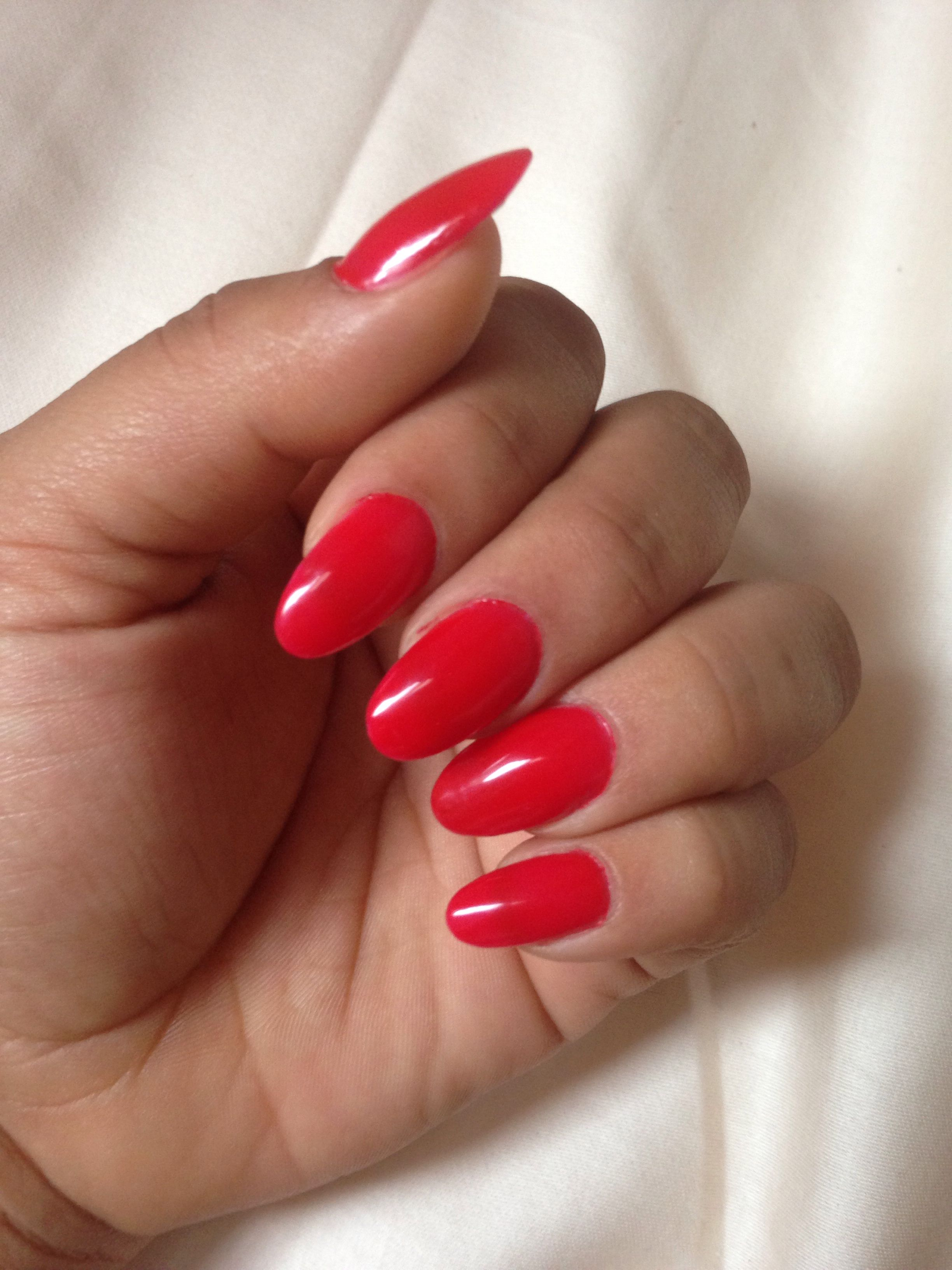 Red round nails | Trendy nails | Pinterest | Round nails ...