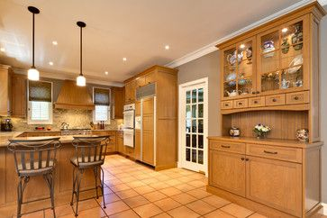 Natural Wood Traditional Beauty Oak Cabinets Grey Kitchen Walls Painting Oak Cabinets