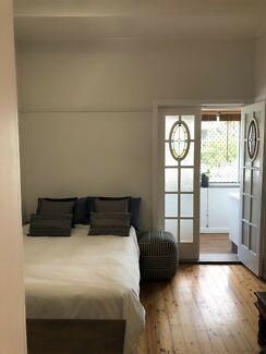 Bondi Beach Studio Bills And Parking Included Property For Rent Gumtree Australia Eastern Suburbs 1212562325