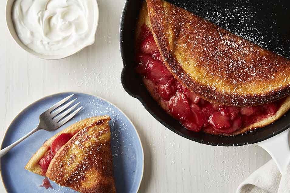 Warm Strawberry Puff | Recipe | Food | Dessert recipes ...
