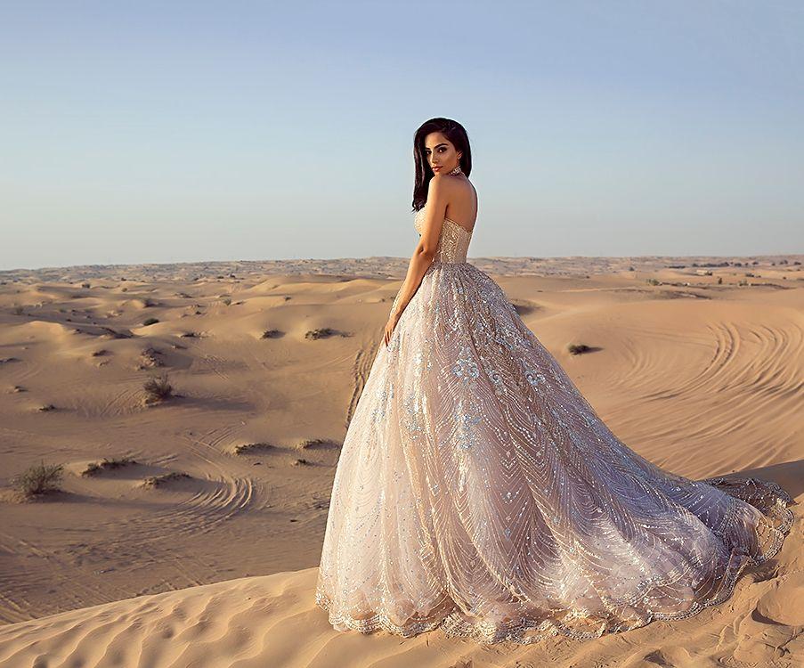 Sylwia Romaniuk  Desert photography Dubai   Wedding princess dress   Arab Fashion Week 17'