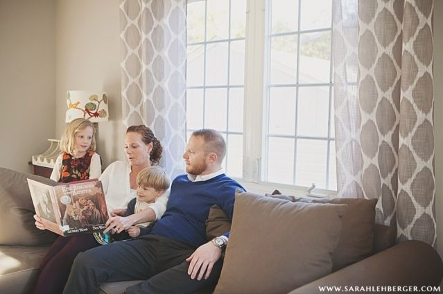 lifestyle-family-photography-reading-together