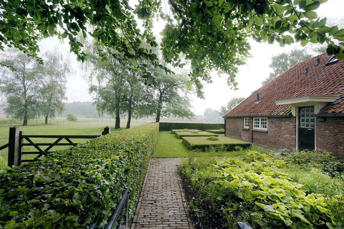 Ontwerp en aanleg groene boerderijtuin walhalla gardens