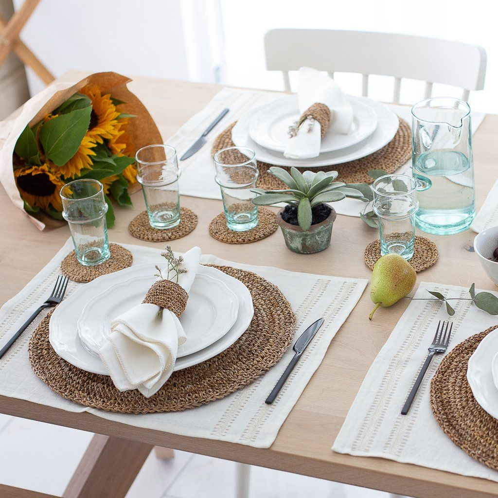 Summertime Entertaining Made Simple In 2020 Dining Table Placemats Lunch Table Settings Dining Table Decor