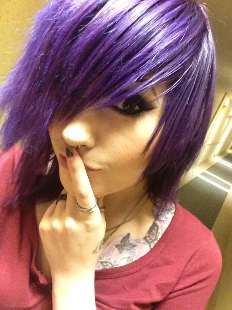 Leda muir ledamonsterbunny purple dyed scene hair pretty la