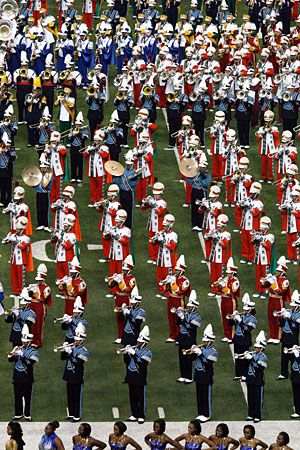 Hbcu Bands Gather For Honda Battle Of The Bands Hbcu College Fun Drumline